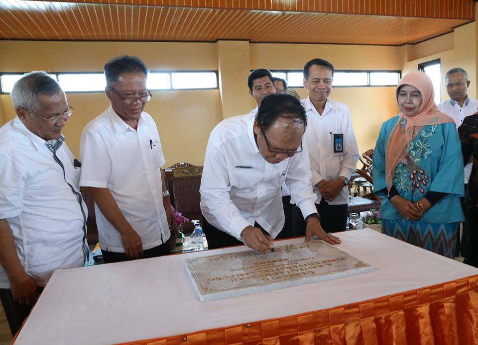 Rector Inaugurated 3 New Buildings of FISIP