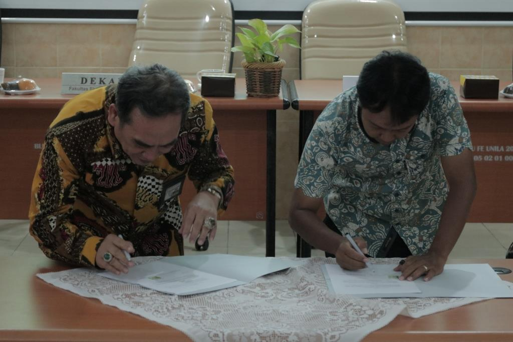 Open International Class, FEB Established MoU with High Schools in Lampung