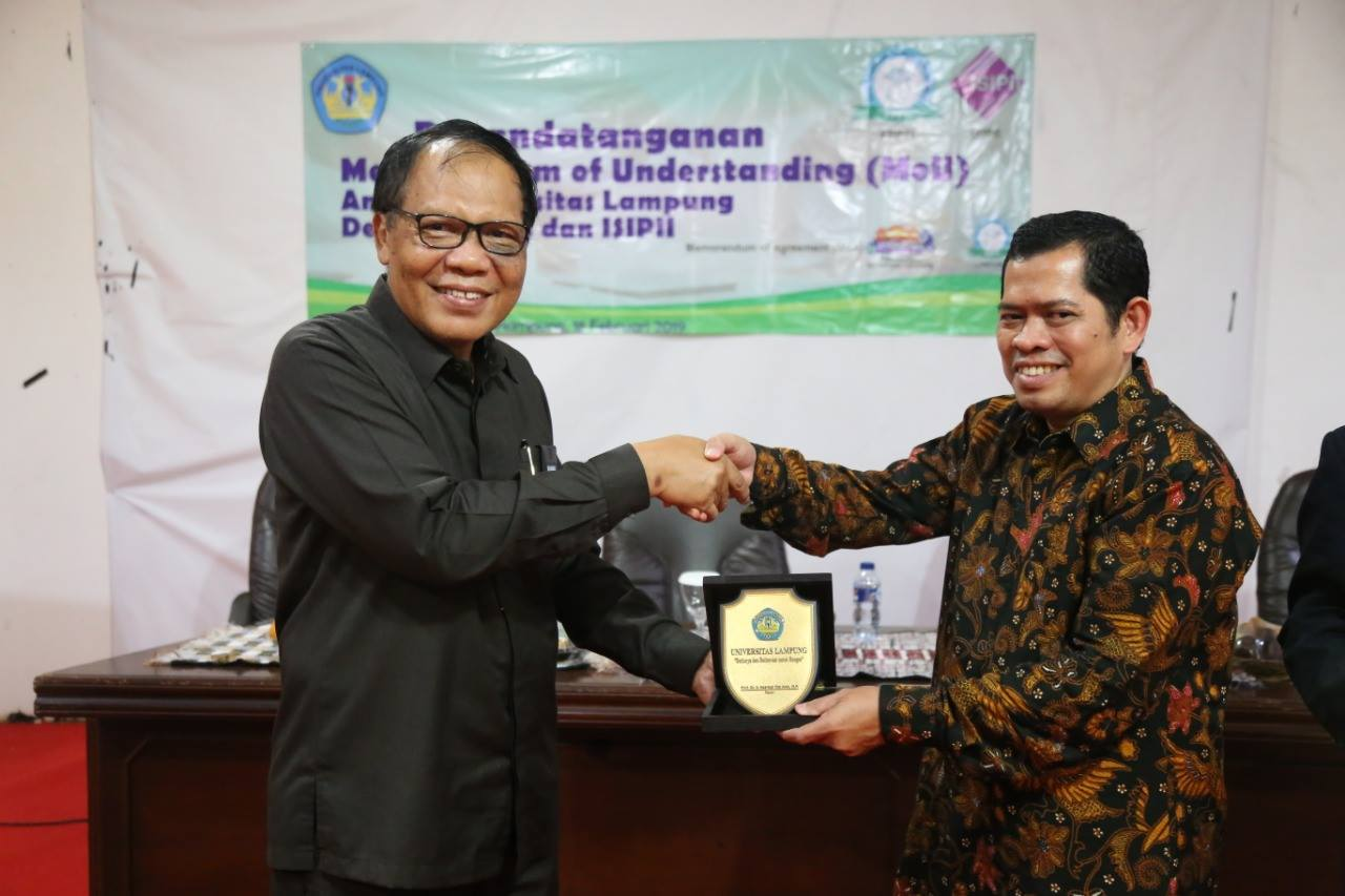 Improving the Quality of Library, Unila Signed MoU With FPPTI and ISIPII