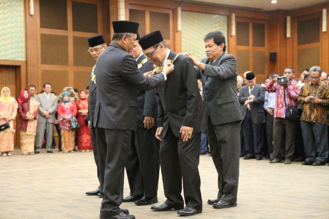 Menristekdikti Lantik Prof. Hasriadi sebagai Rektor Unila 04
