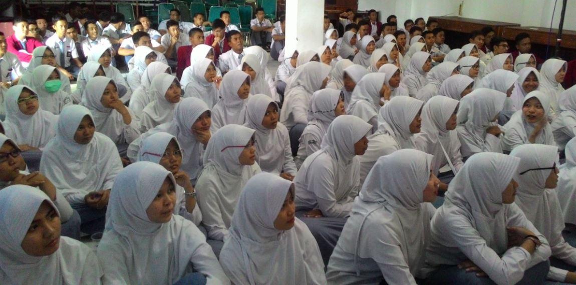 Mahasiswa Unila Kunjungi Sekolah 03